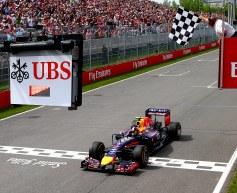 Webber praises compatriot Ricciardo