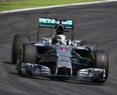 Hamilton laments poor grip in practice