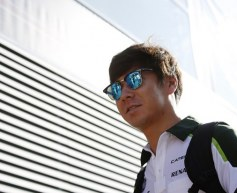 Kobayashi retains Caterham seat for Singapore