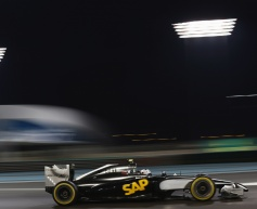 Magnussen: Early contact damaged car