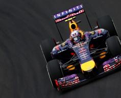 Ricciardo's streak ended by suspension failure