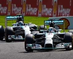 Spa crash was turning-point for Rosberg defeat says Wolff