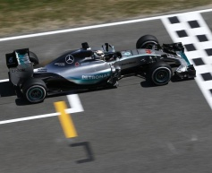 Hamilton tops second session in Spain