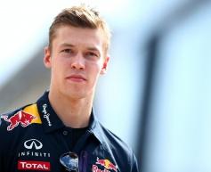 Tost defends Kvyat after tough Red Bull start