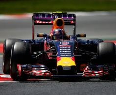 Renault encouraged by four car finish