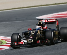 Grosjean pleased with points after 'tough race'