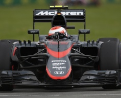 Button misses out on Canada qualifying