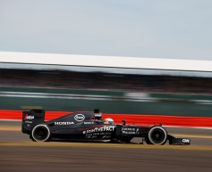 McLaren reprimanded for Alonso tyre mix-up