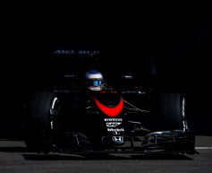 Alonso rues 'painful' weekend for McLaren