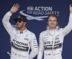 Rosberg on pole after Kvyat accident