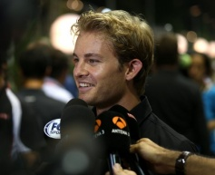 Rosberg heads opening Singapore session