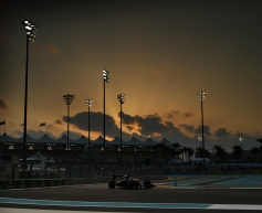 Alonso rues 'cruel luck' after Q1 puncture