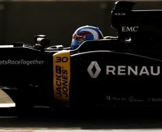 Palmer overcomes Renault gearbox problem