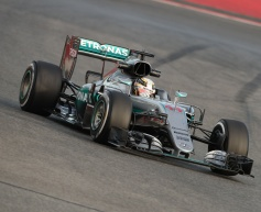 Hamilton says reliability is Mercedes' strength