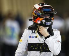 Vandoorne scores point in maiden F1 race