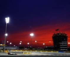 Rosberg quickest in second Bahrain session