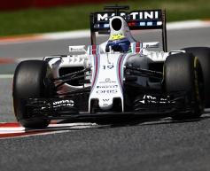 Massa shrugs off deficit to Red Bull