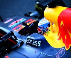 Ricciardo expects apology from Kvyat