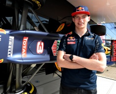 Verstappen replaces Kvyat at Red Bull