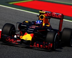 Verstappen content after first day with Red Bull