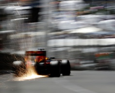 Red Bull extends Renault deal, Toro Rosso to return