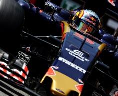 Sainz laments slow Toro Rosso pit stops