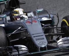 Hamilton explains collision with Rosberg