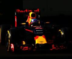 Ricciardo: Tyre wear triggered two-stop approach
