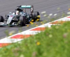 Hamilton takes pole in Austria thriller