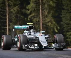 Rosberg blames Hamilton for collision