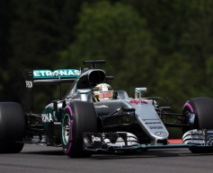 Hamilton: Mercedes 'deterrents' changes nothing