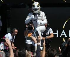 Hamilton 'confident' ahead of 2016 mid-point