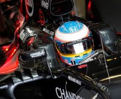 Alonso encouraged by McLaren midfield scrap