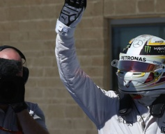 Hamilton cruises to 50th F1 victory