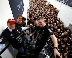 Lauda and Wolff extends Mercedes deal